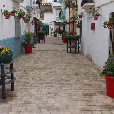 Remodelación completa de la calle troyano (Estepona).