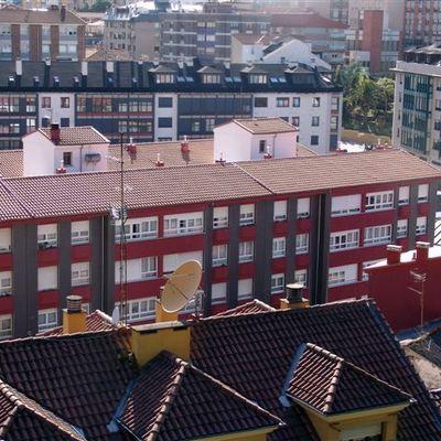 Renovacion de tejado y fachada en Candas ( C/ Carlos Albo 10 ,12 y 14)