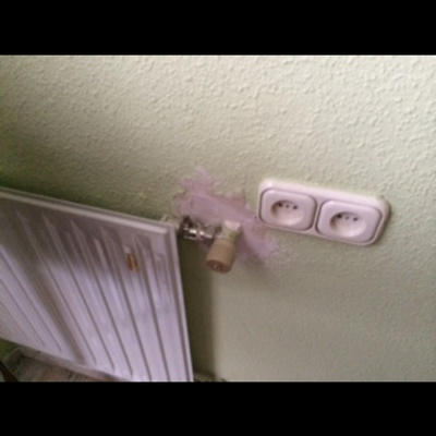 Reparación y pintura de paredes en gota o pasta rallada