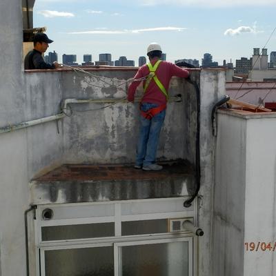 REPARACIONES EN FACHADAS - MONTANTES DE AGUA