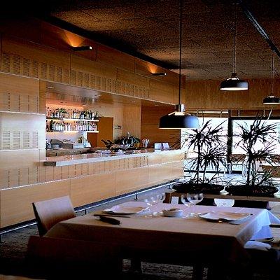 Restaurante. INTERIOR. BARRA