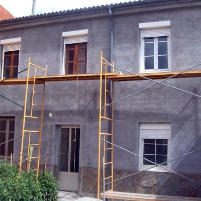 revestimiento de fachada interior de casa antigua