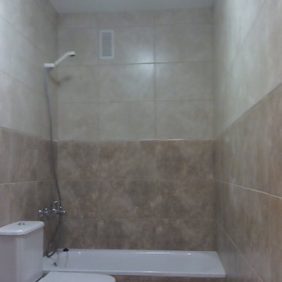 revestimiento de paredes en baño.