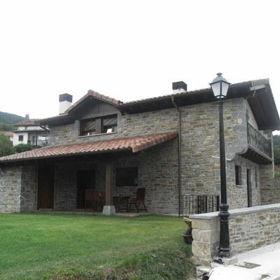 Vivienda unifamiliar  (Navarra)