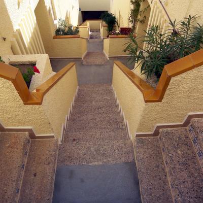 Rodapies escalinata en Urbanova