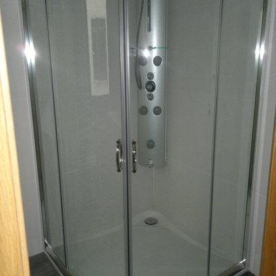 Instalación Mampara ducha semicircular