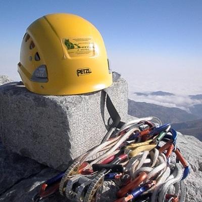 Sercal Calefacción en la cima del Picu Urriellu(Naranjo de Bulnes)2519 mts.