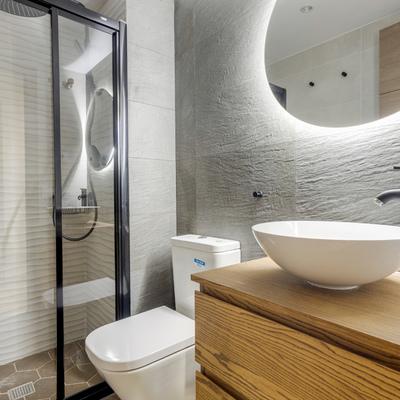 Baño moderno con primeras calidades