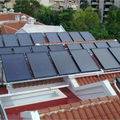 Instaláción solar térmica centralizada en hotel