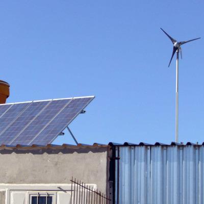 Sistema mixto fotovoltaico y eolico