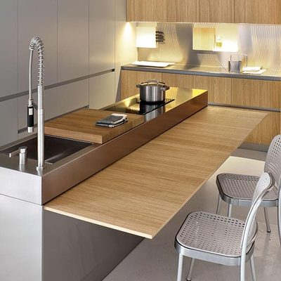 Cocina con mesa Wing Table