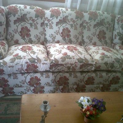 Sofa semiclasico arreglado