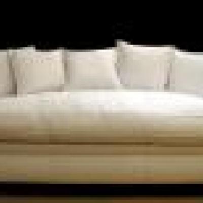 sofa chesters liso, respaldo con cojines tacto pluma