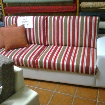 sofa de rayas tres plazas