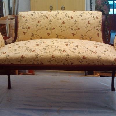 sofá pequeño de recibidor