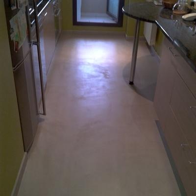 Suelo microcemento cocina acabado