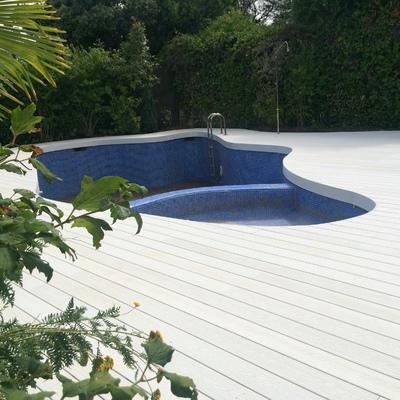Suelos para piscinas exteriores sin obra