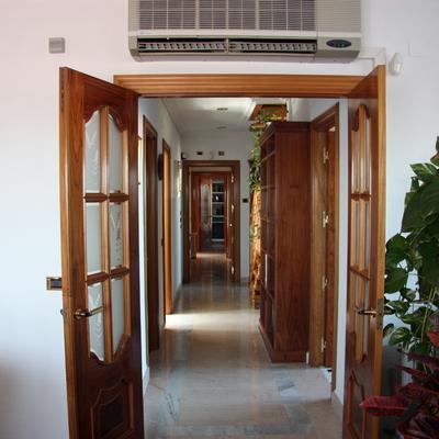 Precio instalar puerta de seguridad habitissimo for Puertas pisos precios