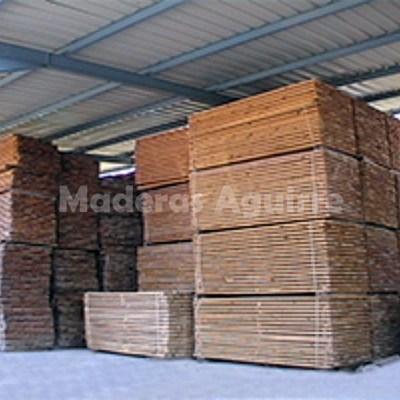 Tabla seca de pino seleccionado