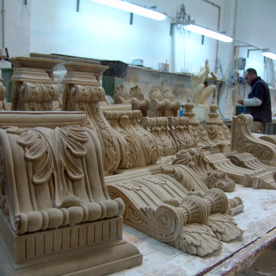Tallas Ornamentación, molduras, capiteles, cartelas, arcos, columnas.