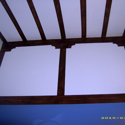 techo de habitacion matrimonio imitado a palos