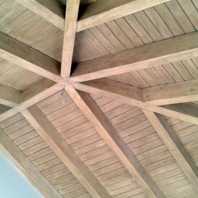 techo de madera aduelado