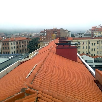 tejado 1700m en calle Oviedo