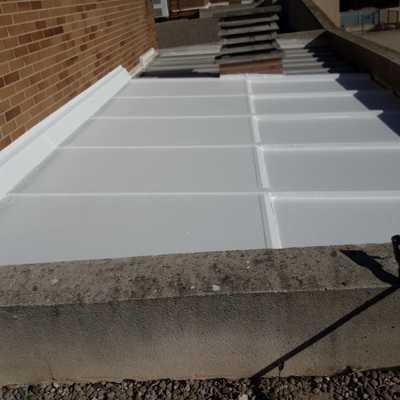 Aislamiento de juntas de techo móvil.