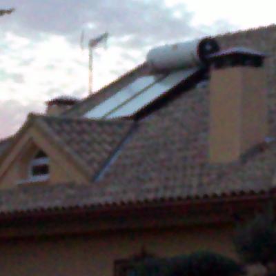 Tejado y panel solar