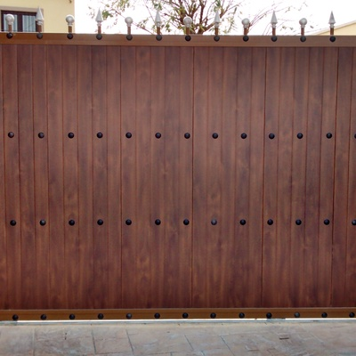Puerta corredera residencial madera