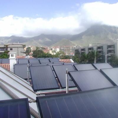 Instalación solar térmica centralizada - Hotel sur de Tenerife.