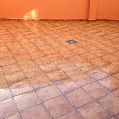 Terraza con pavimento porcelanico