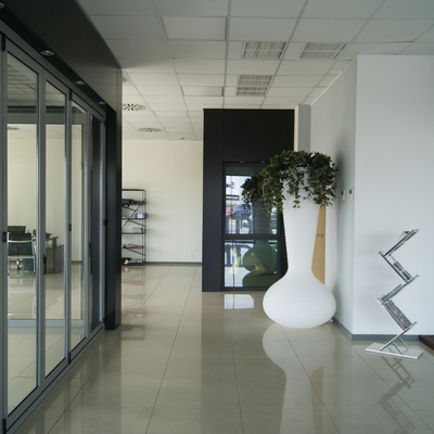 Cerramiento puertas plegables de aluminio