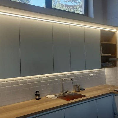 tira LED en cocina