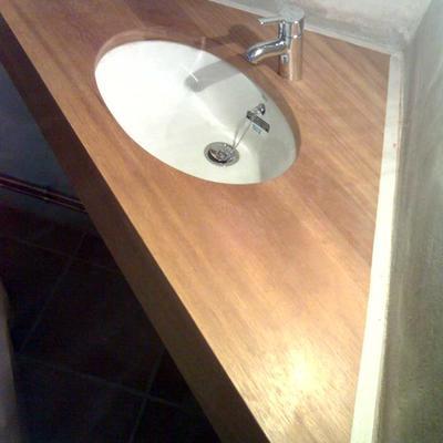 Todo en baño,encimeras,estanterias,muebles,etc.