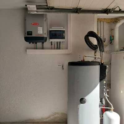 Inversor y depósito agua caliente