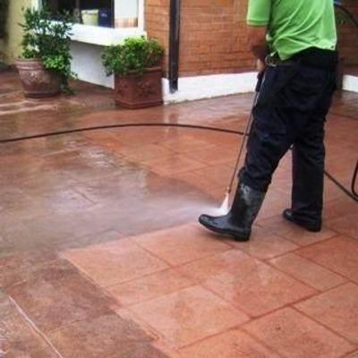 trabajo con agua a presión