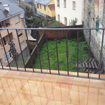 Barandilla metálica de terraza