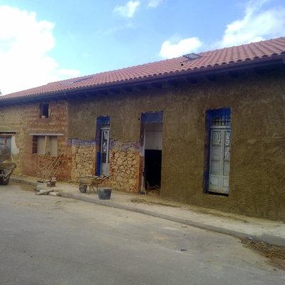 Trabajos restauración de fachada.