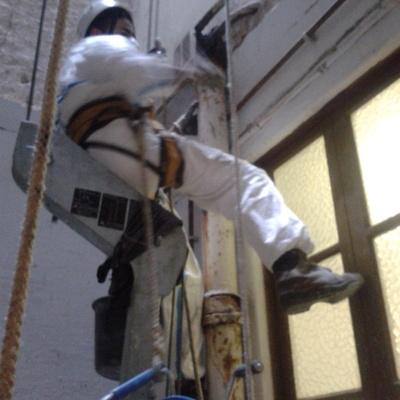 Trabajos verticales de bajantes de fibrocemento, barcelona.