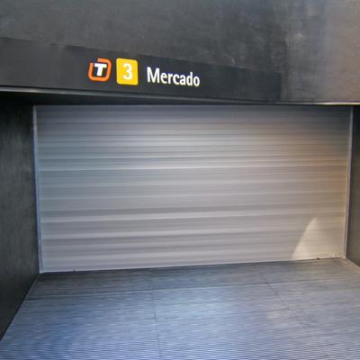 Puerta enrollable para comercio o residencial