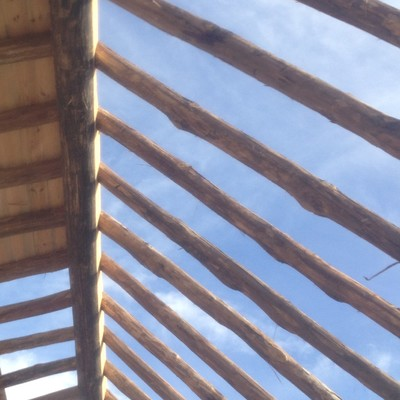 Construcción de cubierta de madera