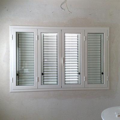ventana con mallorquina