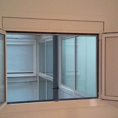 ventana monoblock compacta 2h oscilbatientes serie A40JC