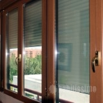ventanal clasico imitacion nogal