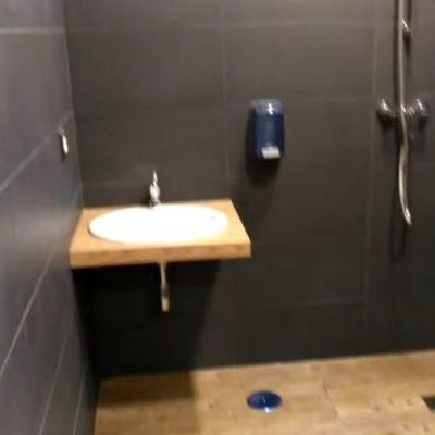 baño de minusvalido