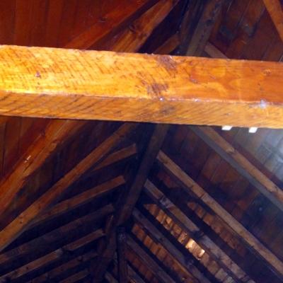 Viga de madera rústica recuperada