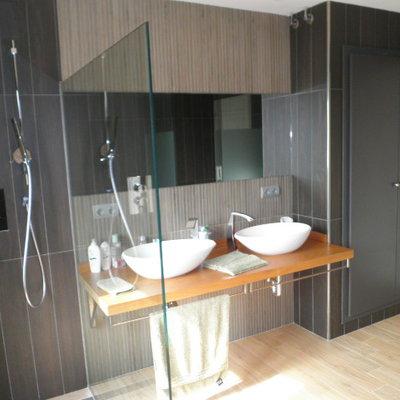 Vista dutxa i lavabos