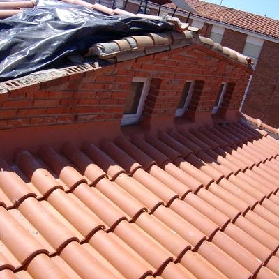 Vista parcial de la cobertura de teja