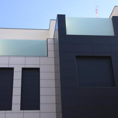 Baranda de cristal en terraza
